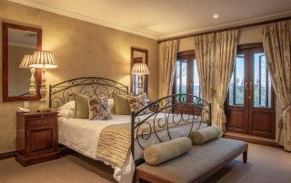 Olivers-executive-suite-07