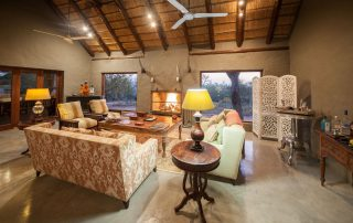 Little-Garonga-Xscape4u-Main-Lodge-lounge-Makalali-Game-reserve