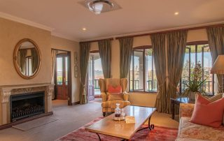 Olivers-executive-suite07-loung
