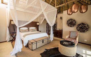 Umzolozolo-Xscape4u-luxurious-suites-Nambiti-Game-Reserve