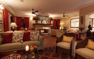 Olivers-Lounge-Night