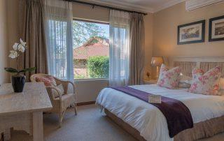 olivers-family-cottage-bedroom
