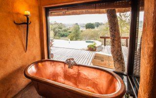 Little-Garonga-Xscape4u-Hambledon-Suite-Bathroom-Makalali-Game-reserve