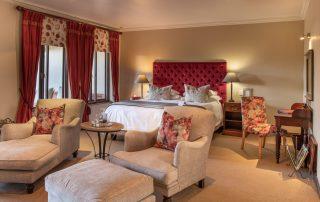 Olivers-Luxury-Room-05