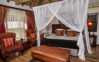 Umzolozolo-Xscape4u-luxurious-chalets-Nambiti-Game-Reserve