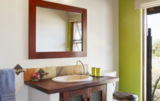 Jacis-Sabi-house-Xscape4u-Twin-room-bathroom-Sabi-Sand-Game-Reserve