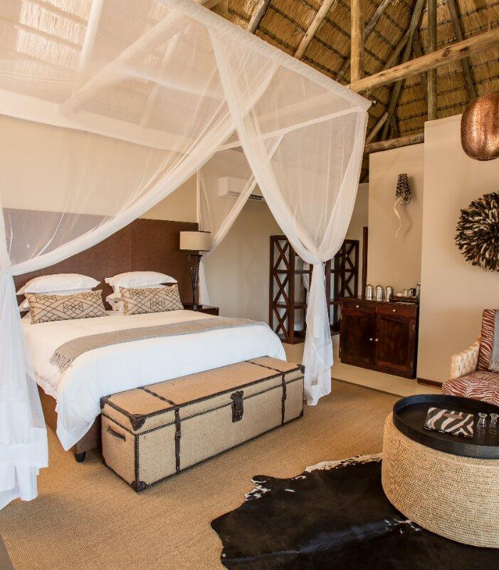 Umzolozolo-Xscape4u-Bedroom-suite-Namibiti-Hill