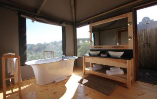 Bukela-Game-lodge-Xscape4u-Luxury-Suite-Amakhala-Game-Reserve