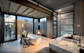 Lion-Sands_Ivory-Lodge_Xscape4u-Fish-Eagle-Villa_En-Suite-Bathroom