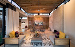 Lion-Sands_Ivory-Lodge_Xscape4u-villa-Open-Plan-Lounge-and-Kitchen