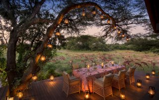 Outdoor-dining-deck-at-andBeyond-Phinda-Vlei-Lodge-Xscape4u