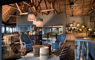 Guest-area-and-bar-at-andBeyond-Phinda-Mountain-Lodge-Xscape4u