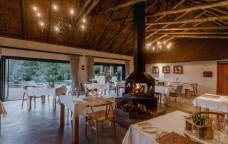 Bukela-Game-Lodge-Xscape4u-Dining-Area-Amakhala-Game-Reserve