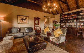 Hlosi-Game-Lodge-Xscape4u-Lounge-Amakhala-Game-Reserve
