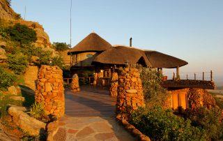 Isandlwana-Xscape4u-side-view-of-lodge-Battlefield