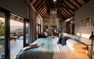 Guest-suite-bedroom-at-andBeyond-Phinda-Mountain-Lodge-Xscape4u