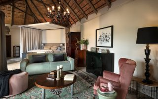 chitwa-Xscape4u-suites-bedroom-and-lounge-Sabi-Sand-Game-Reserv