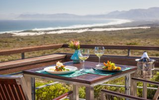 Grootbos-forest-lodge-Xscape4u-dining-deck