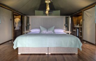 Guest-bedroom-at-andBeyond-Ngala-Tented-Camp-Xscape4u.