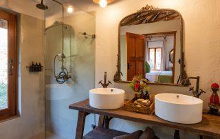 Marks-Camp-Xscape4u-Bathroom-Lalibela-Game-reserve