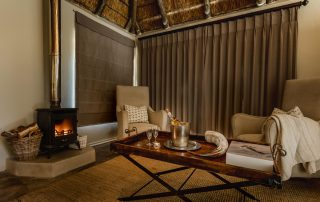bukela_game_lodge-Xscape4u-luxury-suite-sitting-area-Amakhala-Game-Reserve