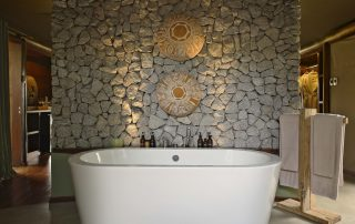 Bathtub-of-guest-tent-at-andBeyond-Ngala-Tented-Camp-Xscape4u