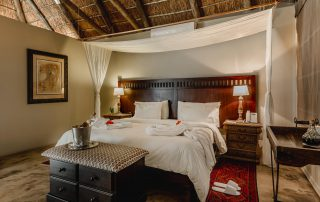 Bukela-Game-Lodge-Xscape4u-Romantic-Turndown-Luxury-Suite-Amakhala-Game-Reserve