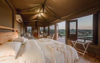 Hlosi-Game-Lodge-Safari-Xscape4u-Tent_1-Amakhala-Game-Reserve