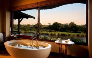 Lion-Sands_Narina-Lodge_Xscape4u_Suite_Bathroom