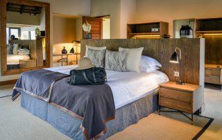 Lion-Sands_Tinga-Lodge_Xscape4u-HiNkweni-Villa_Bedroom-Interior