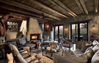 Lounge-at-andBeyond-Phinda-Rock-Lodge-Xscape4u