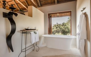 bukela_game_lodge-Xscape4u-Luxury-suite-bathroom
