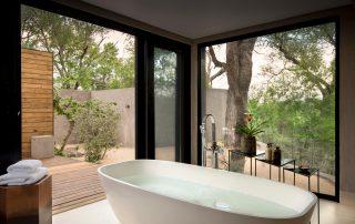Lion-Sands_Ivory-Lodge_Xscape4u_Villa-En-Suite-Bathroom