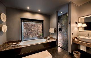Cottage-bathroom-at-andBeyond-Phinda-Mountain-Lodge-Xscape4u