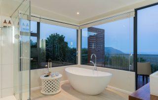 Grootbos-Garden-lodge-Xscape4u-Suite-bathroom