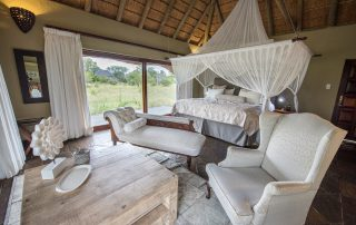 Kambaku-River_Sands-Xscape4u-suite-Timbavati-Game-Reserve