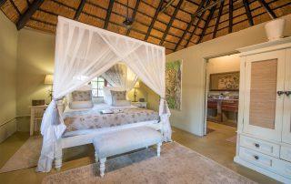 Kambaku-Safari-Lodge-Xscape4u-Suite-Bedroom-Timbavati-Game-Reserve