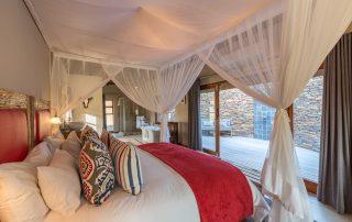 Arathusa-Safari-Lodge-Xscape4u-Bedroom-suite-Sabi-Sand-Game-Reserve
