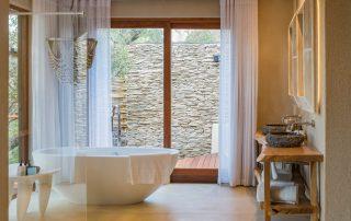 Dulini-River-Xscape4u-bathroom-Sabi-Sand-Game-Reserve