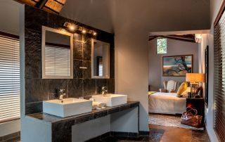 Nkorho-Bush-Lodge-Xscpa4u-chalet-1-bathroom-Sabi-Sand-Game-Reserv