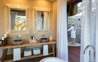 Dulini-River-Lodge-Xscape4u-bathroom-Sabi-Sand-Game-Reserve