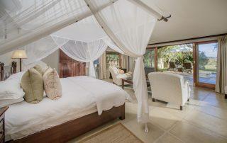 Savanna-Private-Game-Reserve-Xscape4u-Executive-Suite-Bedroom-Sabi-Sand