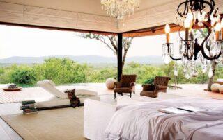 Rora-Molori-Safari-Xscape4u-Molelo-Presidential-suite-bedroom-Madikwe-Game-Reserve