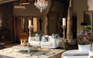 Rora-Molori-Safari-Xscape4u-Molelo-Presidential-suite-outdoor-lounge-Madikwe-Game-Reserve