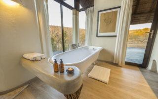 Impodimo-Xscape4u-Bathroom-Madikwe-Game-Reserve