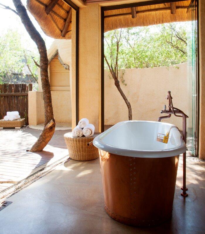 Rora-Molori-Safari-Xscape4u-Ngwedi-bath-Madikwe-Game-Reserve