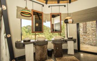 Abelana-River-lodge-Xscape4u-bathroom