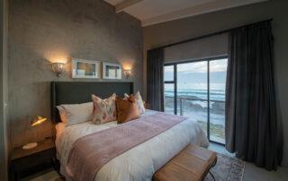 Belle-Maroc-Xscpae4u-Superior-Room-Bloubergstrand-Cape-Town