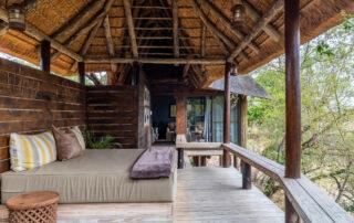 Simbambili-Game-Lodge-Xscape4u-Waterhole-Suite-Sala-Sabi-Sand-Game-Reserve