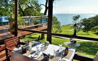 Nibela-Lodge-Outside-Dining-Isimangaliso-Xscape4u